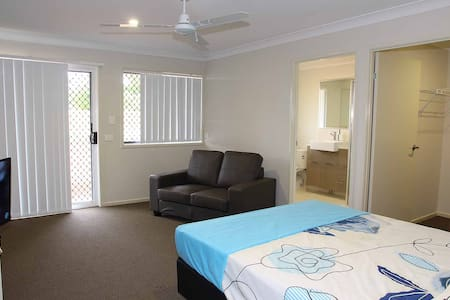 Very private room with ensuite - Wellington Point