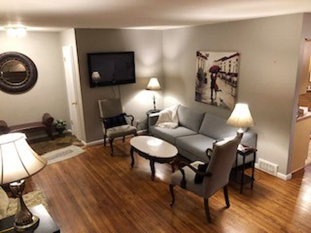 9-Guest 5-Bedroom Private Hme-13 Min to Dntwn MPLS