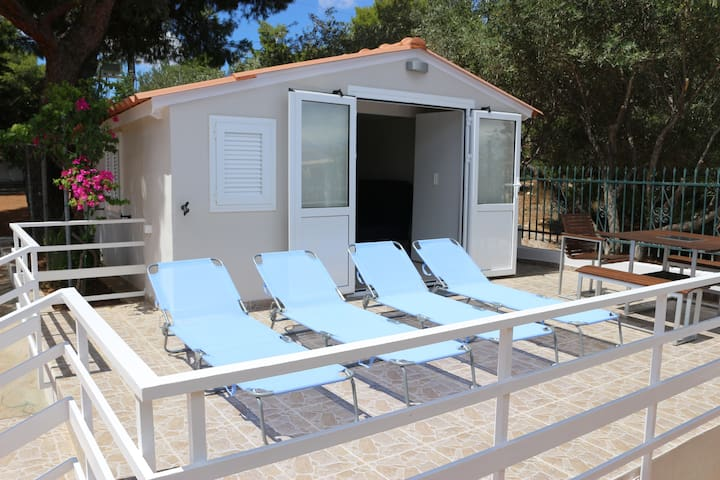 Rafina holiday house