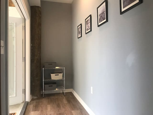 1st floor apartment with private entrance!