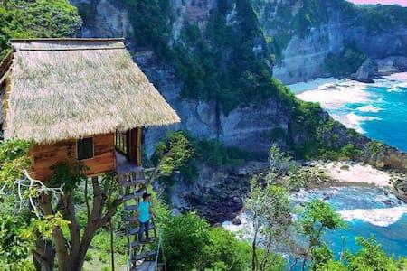 "Rumah Pohon ""Tree House"" - Nusapenida - Domek na drzewie"