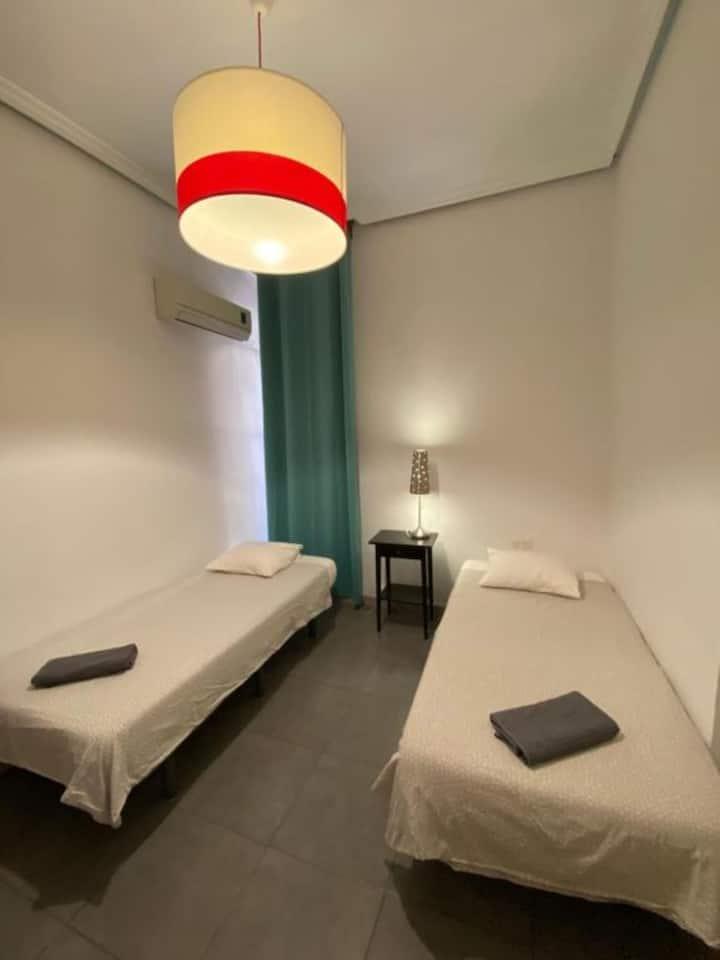 BARBIERI SOL HOSTEL -  Twin Room Shared Bathroom
