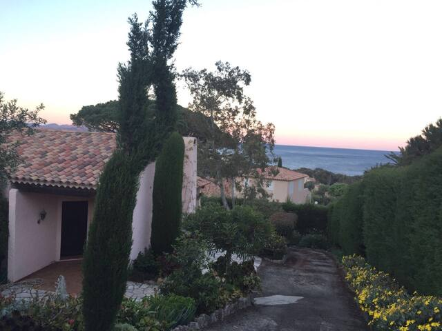Villa de charme  provençale - les issambre