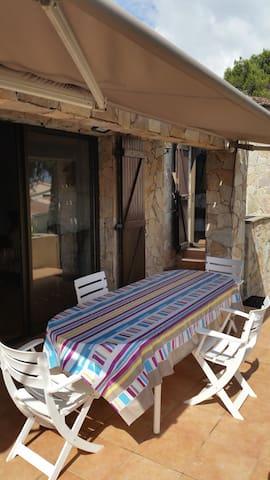 villa individuelle  vue sur la montagne au calme - Bastelicaccia - Dům