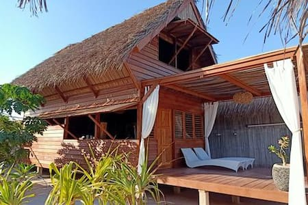 Loedi Familly Bungalow Rote Island