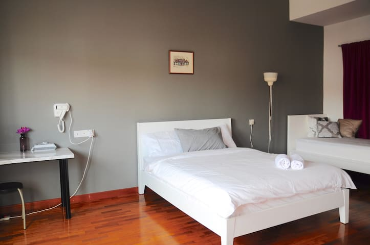 GRAYHAUS 32 Suite Room @ Bandar Utama