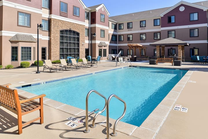 Free Breakfast. Pool & Gym. Great for Business Travelers!