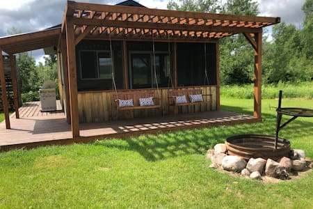 Tamarack Shack -Solar, off-grid