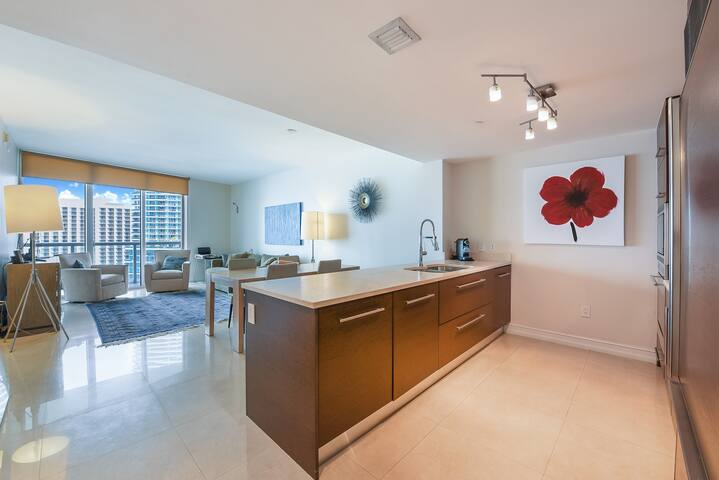 Up-Scale Brickell Suite