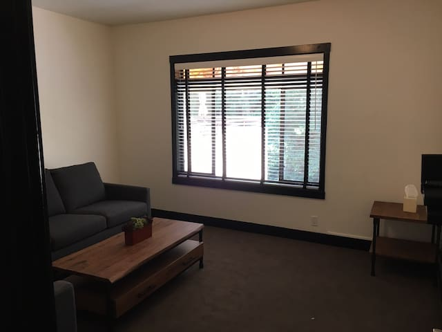 2 Bdrm Apt., 1 block from downtown - Mill Valley - Pis