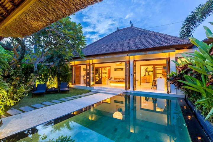 2 Bedroom Villa with private Pool in Seminyak