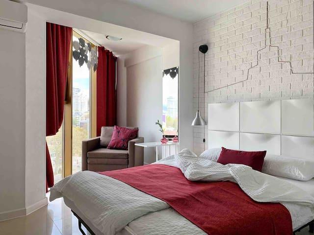 Апарт «Морпорт» с отдельной спальней | MoreAparts