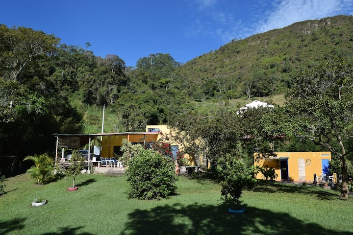 Alojamiento en hermosa y tranquila finca, La Vega. - La Vega - Rumah tumpangan alam semula jadi