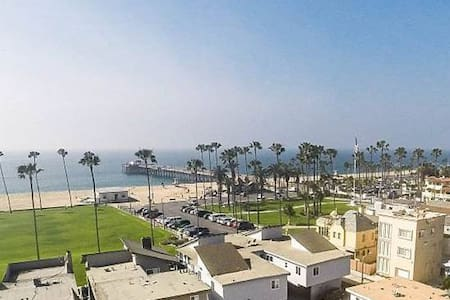 ~ Lower Unit ~ Steps to Beach!! - Newport Beach - Lejlighed