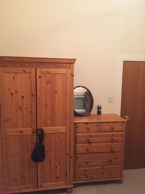 Cupboards/Wardrobes in Bedroom
