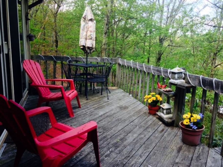 Cozy 4br waterfront pocono ski camelback shawnee for Canape lake park