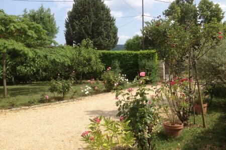 Calme et  repos au pied du Château de Gréoux - Gréoux-les-Bains