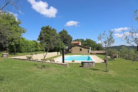 Cozy Tuscany farmhouse private pool up to 12 pax