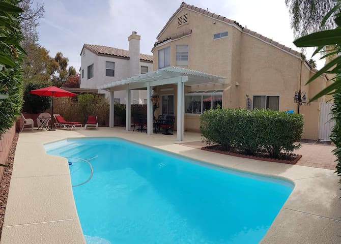 Spacious House with Pool