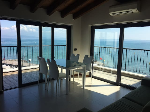 Lake view apartment - Sirmione - Apartment