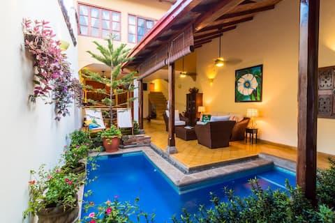 Oasis privée avec piscine dans un excellent emplacement