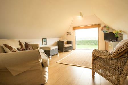 Barn Studio Apt, Surrey countryside - Leigh