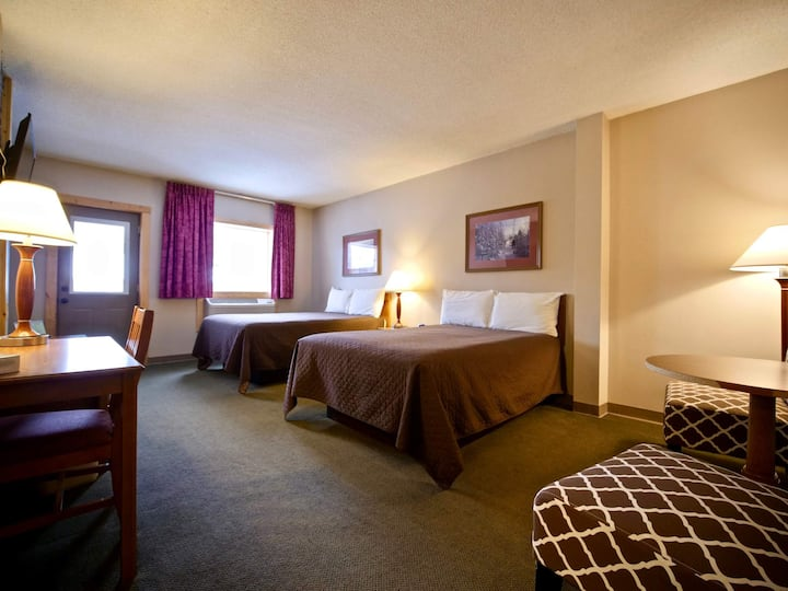 Caberfae Peaks - Two Double Bed - Balcony