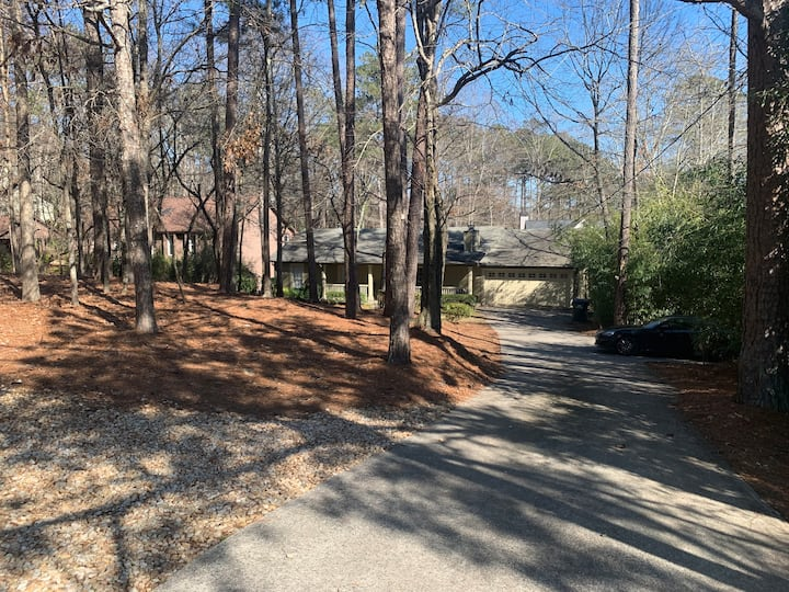 Beautiful Ranch House,  near the historic Roswell