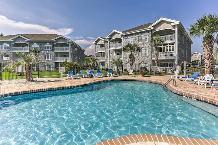 Central Myrtle Beach Condo w/ Golf Course View!