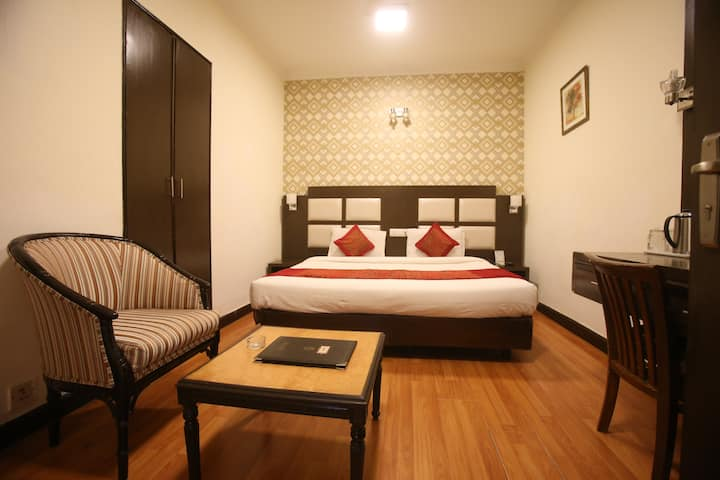 Budget Rooms in Lajpat Nagar-2, South Delhi