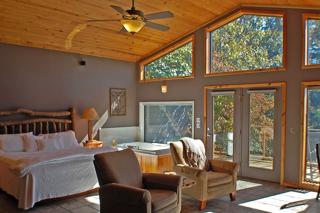 Glass walled cabin on beaver lake cottages for rent in for Cabine eureka ca