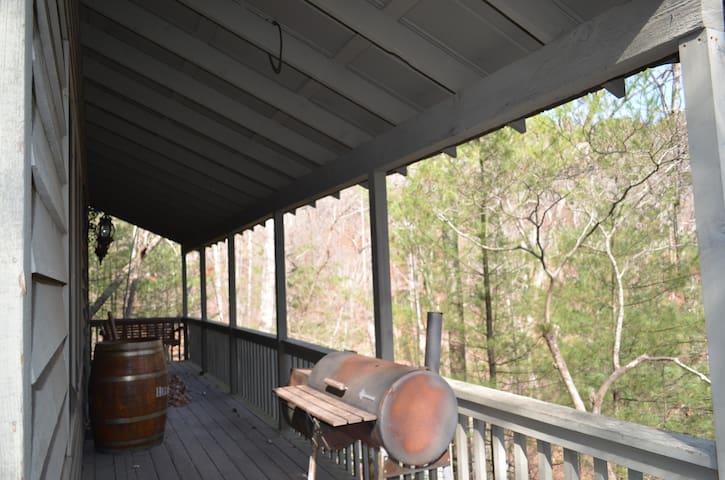 Big Canoe Austere Cabin/Home Getaway!! - Jasper - Blockhütte