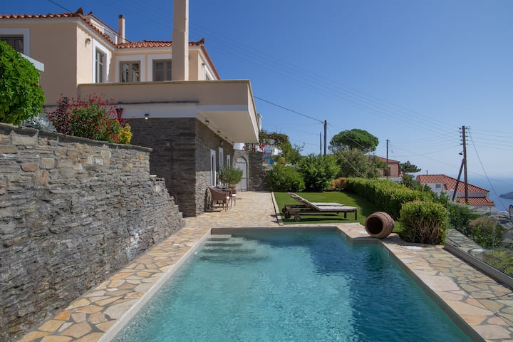 "Villa ""Dandolo"" with private swimming pool & gym"