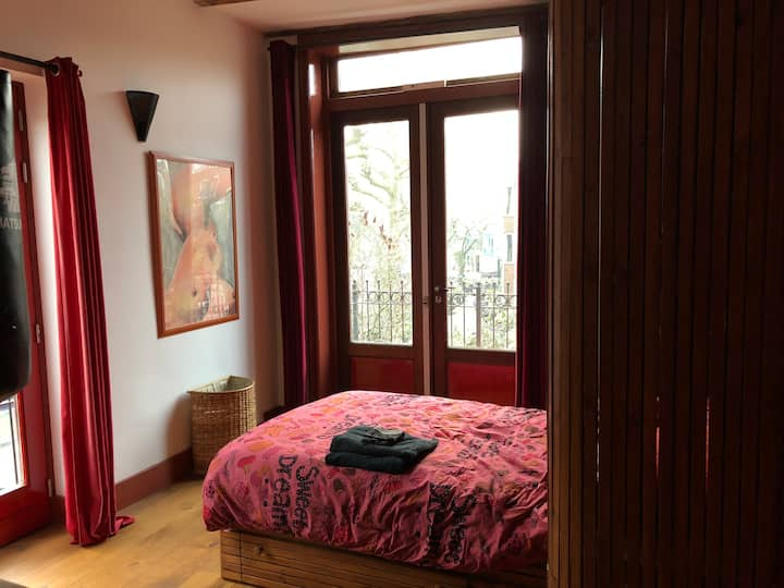 2 person room with small double bed + big balcony