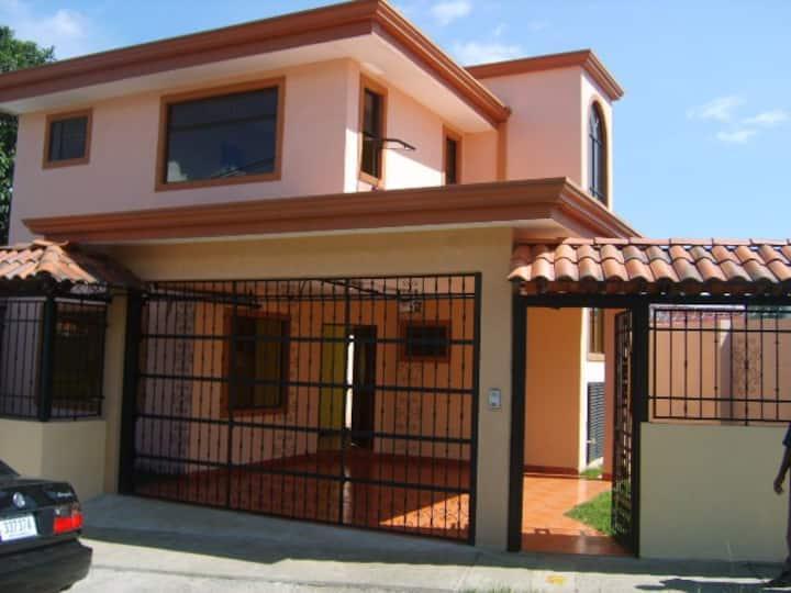 Excelente casa apartamento en guacara buen precio