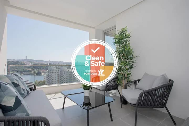 Liiiving in Porto| Luxury River View Apartment III
