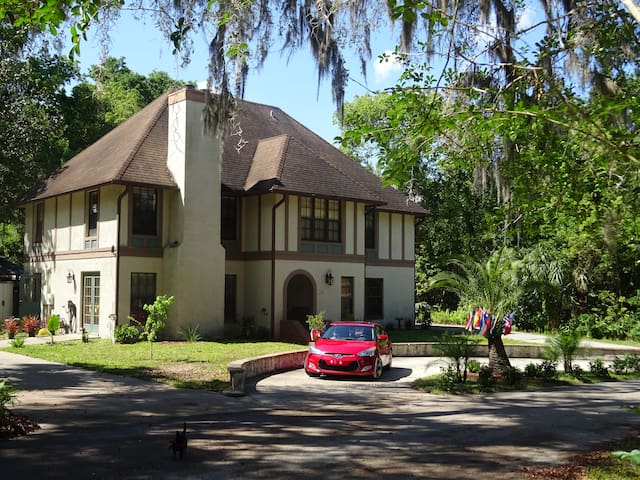 Swiss fl bnb with breakfast n uni downtown u r bed 3 bedroom houses for rent in deland fl