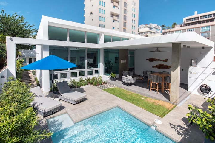 Luxurious and Beautiful Isla Verde beach house