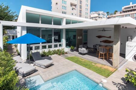 Luxurious and Beautiful Isla Verde beach house