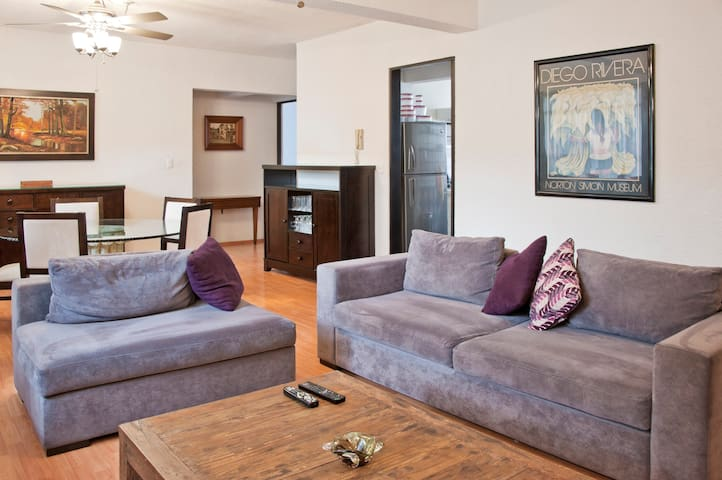 Lovely Apartment one block from Insurgentes Avenue - Mexiko-Stadt - Wohnung