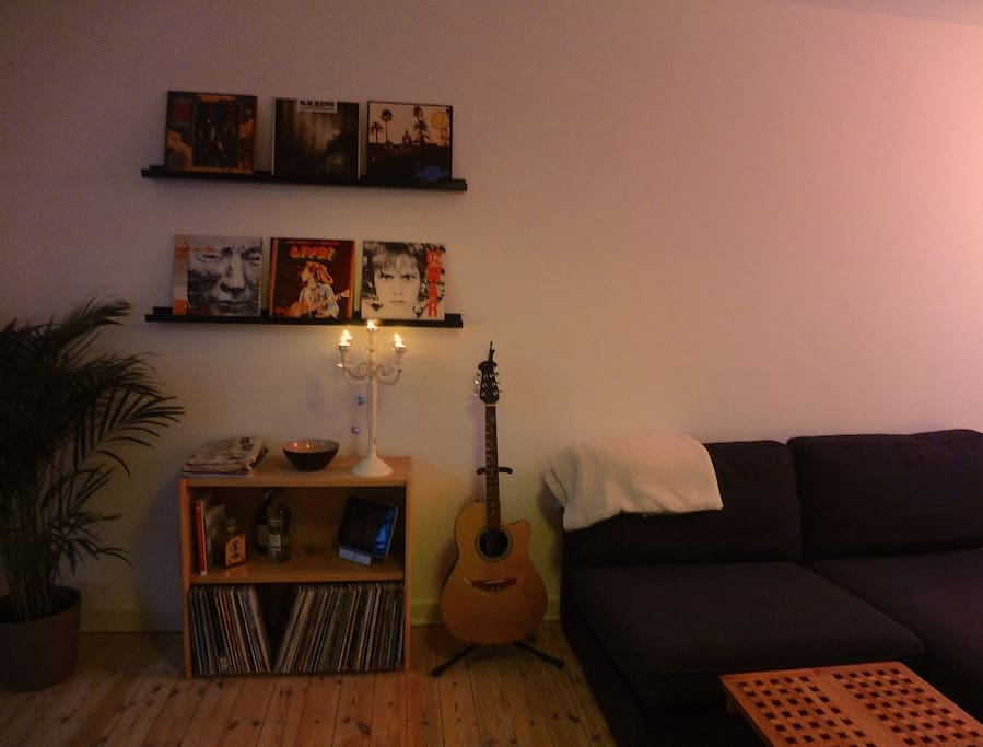 A musical corner with my guitar and some vinyls