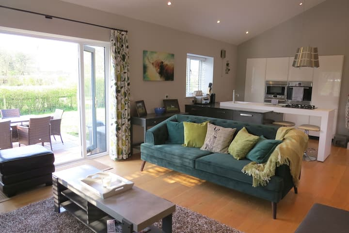Work from home in luxury barns in rural Hampshire