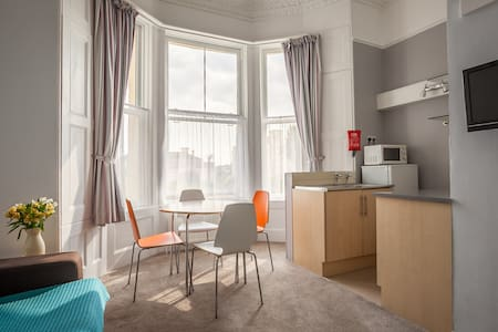 Clydesdale Apartments - Apartment 4