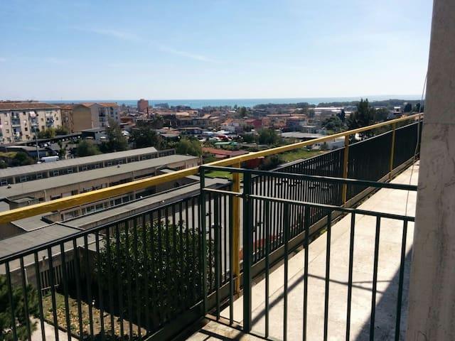 Entire apartment, 5 floor with elevator. - Catania - Daire