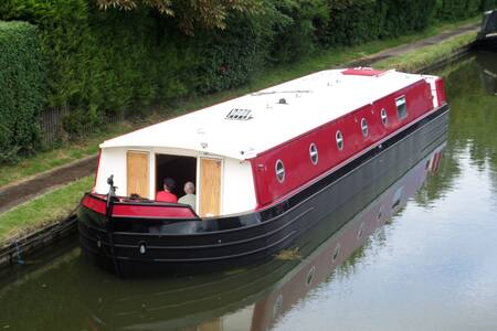 DRIVE/STAY ON A HOUSE BOAT KENT THE RIVER MEDWAY