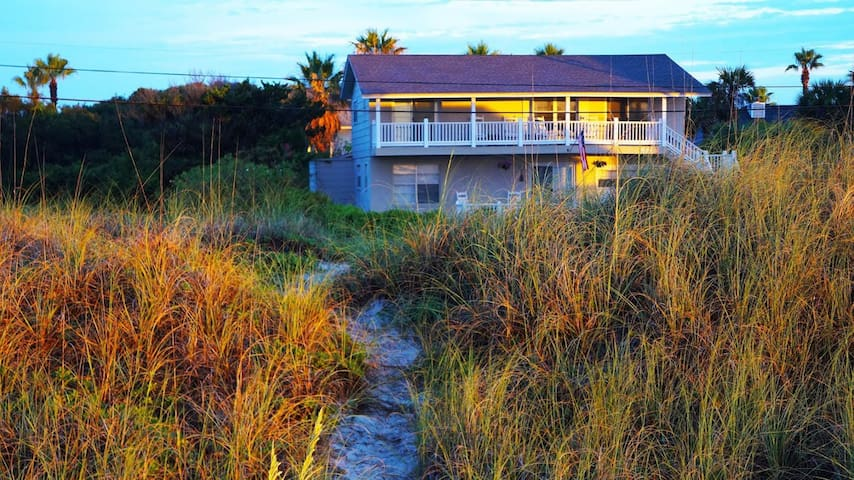 Beautiful Beach House! - Fernandina Beach - บ้าน
