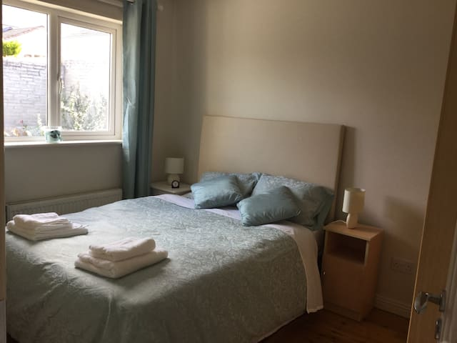 Ensuite Double Room in a very quiet home