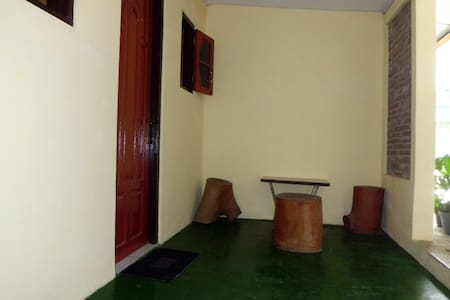 Anicca Homestay - Borobudur - Bed & Breakfast