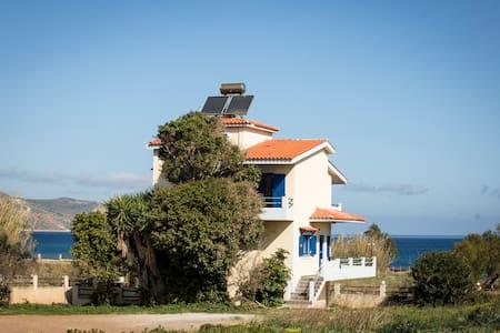 Villa Mantilida - Huvila