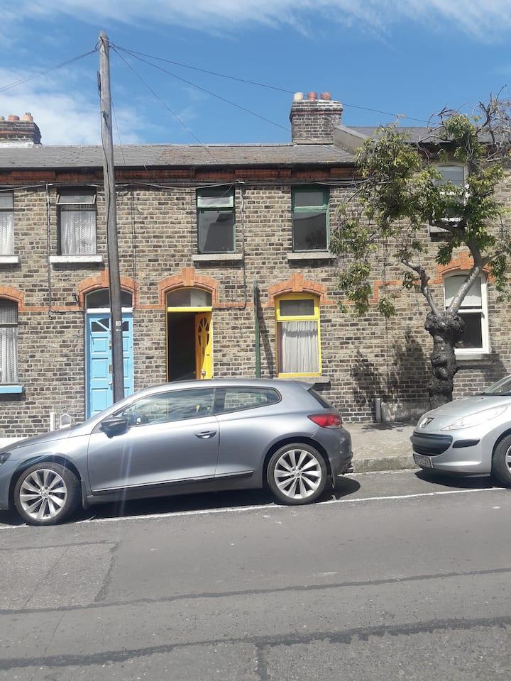 Chic Artisan Dwelling in Trendy Stoneybatter